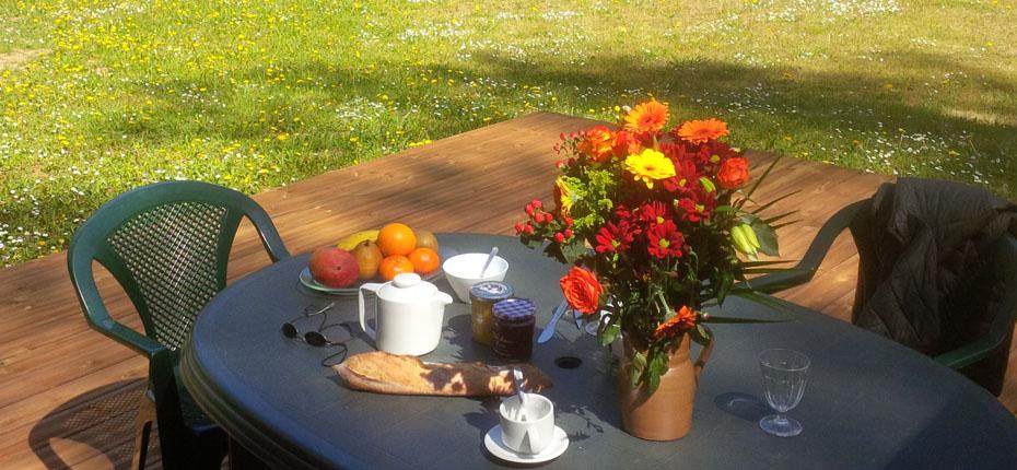 petit-dejeuner-terrasse
