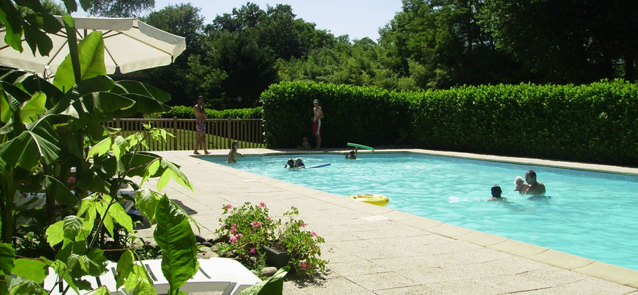 Détendez vous à la piscine dans la Vallée de la Dordogne