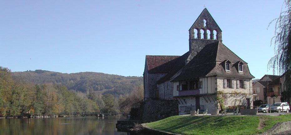 Le Village de Beaulieu-Sur-Dordogne en Corrèze à 20 kms