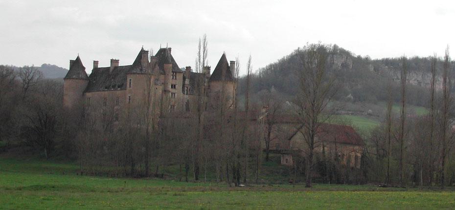 Le château de Montal à Saint-Jean-Lespinasse dans le Lot à 20 kms