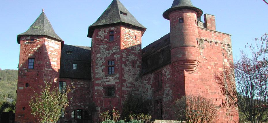 Le village de Collonges-la-Rouge en Corrèze à 20 kms